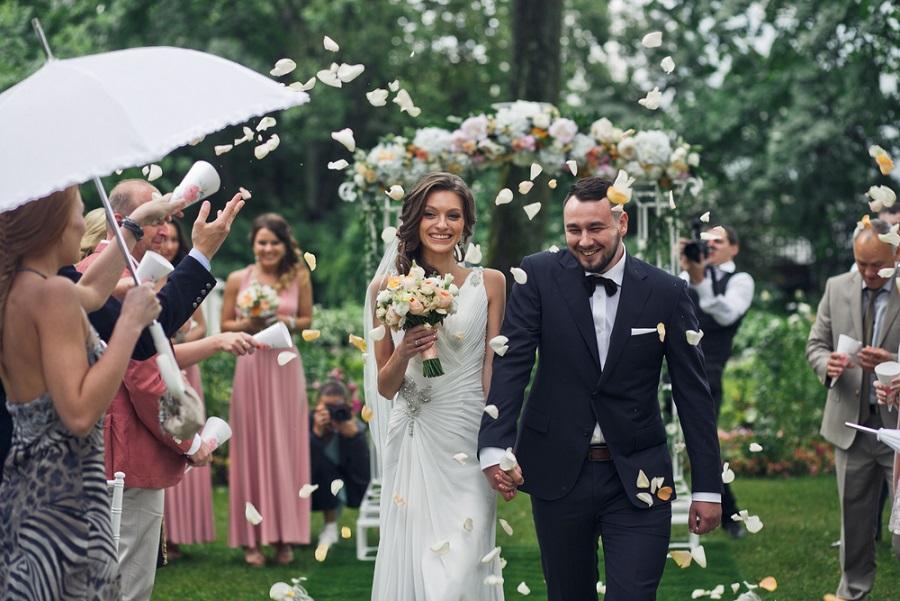 esküvői ceremóniamester